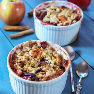 Apple and prune crumble with spices